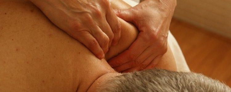 Massaggio decontratturante: a cosa serve e quali sono i benefici
